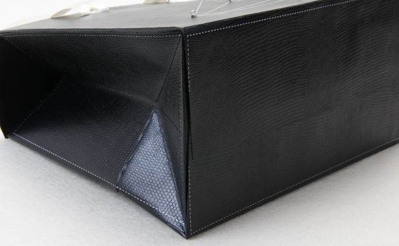Black Gift Paper Bags With Lights Material