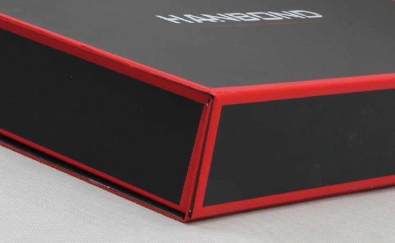 Red Inlaid Dark Shirt Packaging Folding Boxes Corner Detail