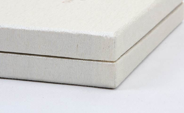 Luxury Silk Pillow Cover Packaging Boxes Corner