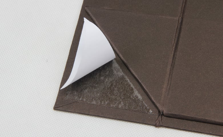 Coffee Color Iridescent Paper Garment Boxes Technique