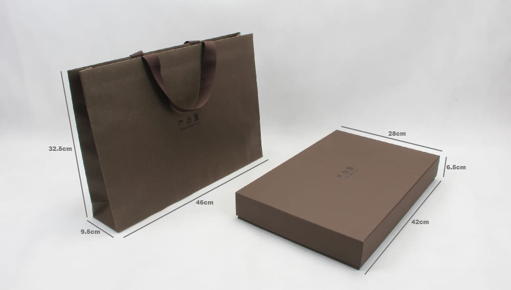 Luxury Embossing Scarf Boxes and Tote Bags With Flocking Lining size