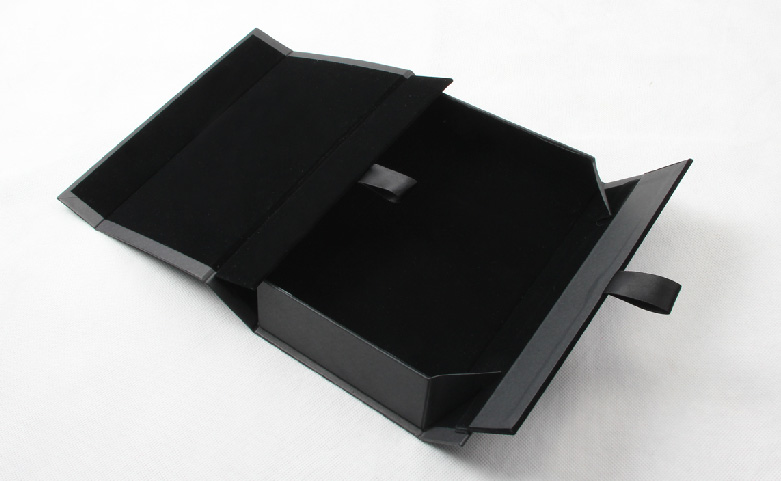 Century Brand Black Gold Scarf Packaging Boxes Material