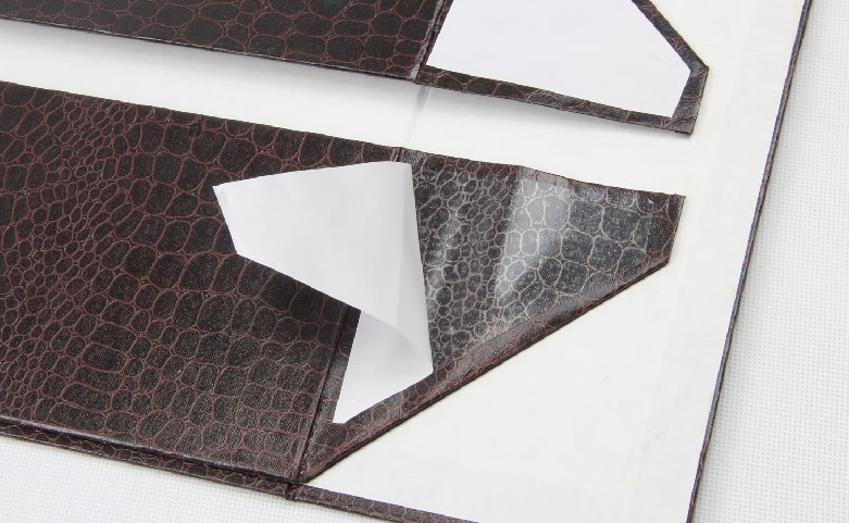 Leather Paper Garment Packaging Boxes Folding Detail