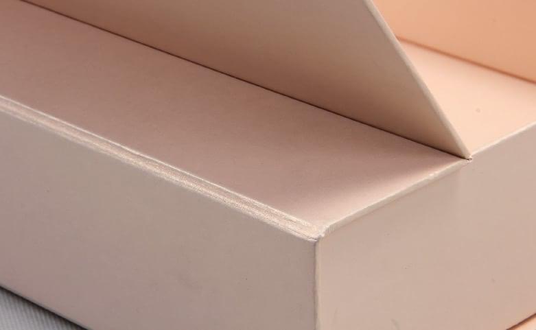 High End Iridescent Paper Duvet Set Boxes setail