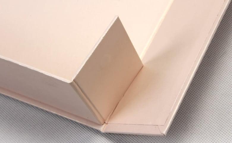 High End Iridescent Paper Duvet Set Boxes Technique