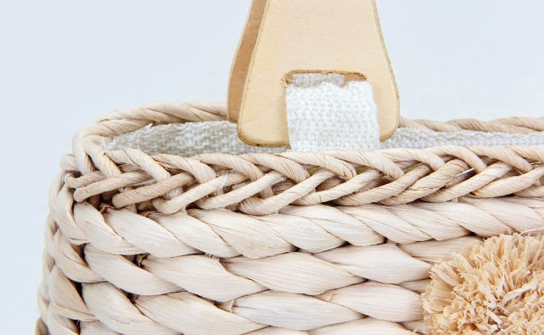 Lovely Woven Beach Bags handle