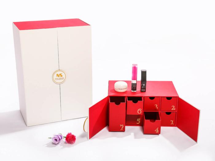 Beauty Makeup Calendar Packaging Gift Boxes Detail Display