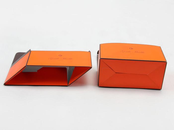 Bright Orange Gift Packaging Boxes Folding Way