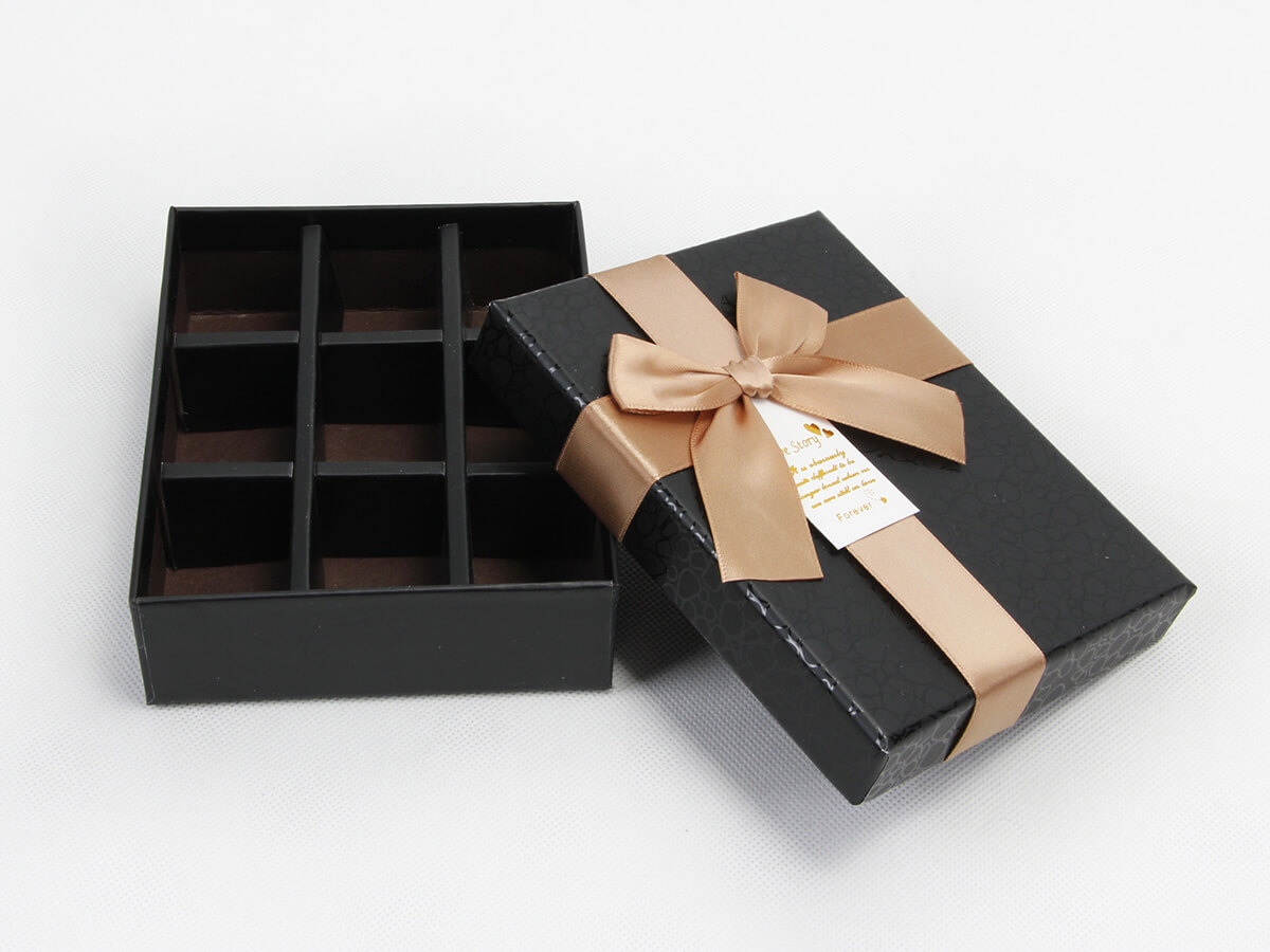 Elegant Black Rigid Chocolate Packaging Boxes With Ribbons