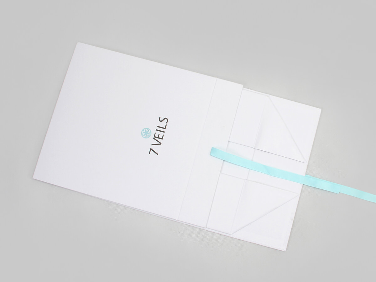 Exclusive Folding Garment Boxes Folding Detail