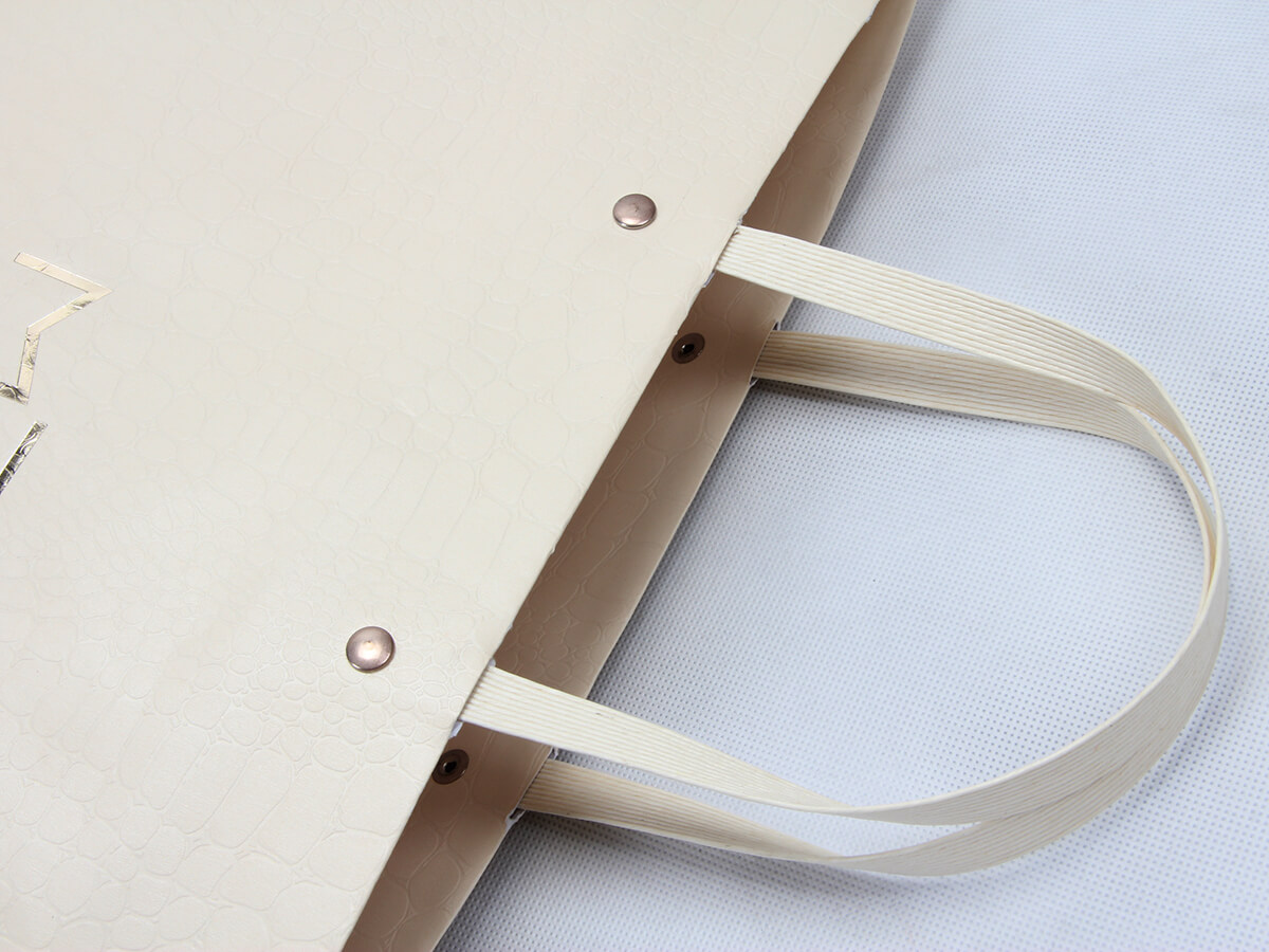 Luxury Leather Paper Ship Type Bags Handle Detail
