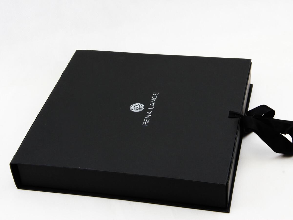 Luxury Women Dress Packaging Boxes Side Display