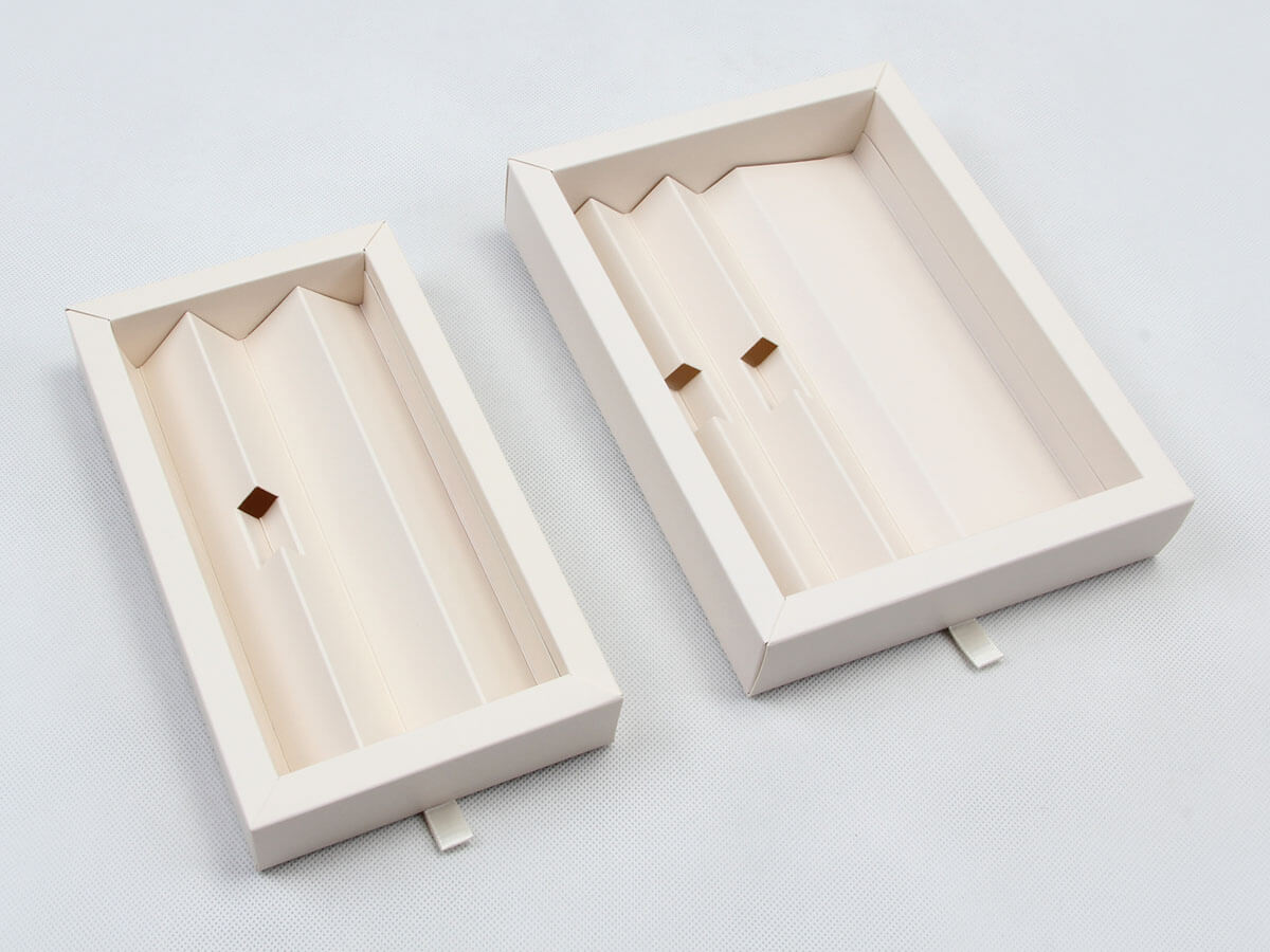 Pens Gift Packaging Boxes Lining Technique