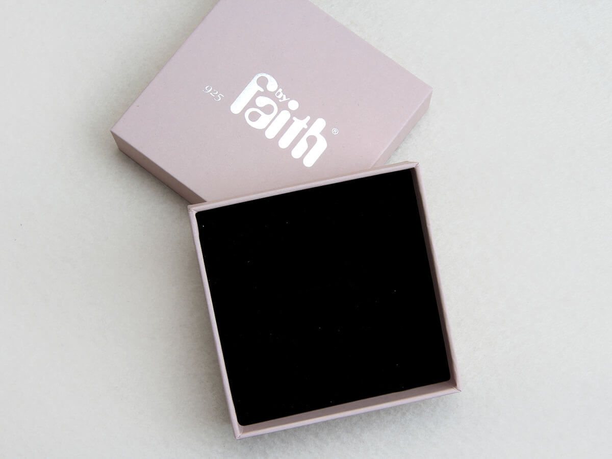 Pink Jewelry Studs Packaging Boxes Lining Material