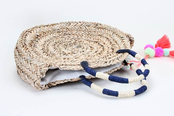 Round Straw Woven Beach Bags handle