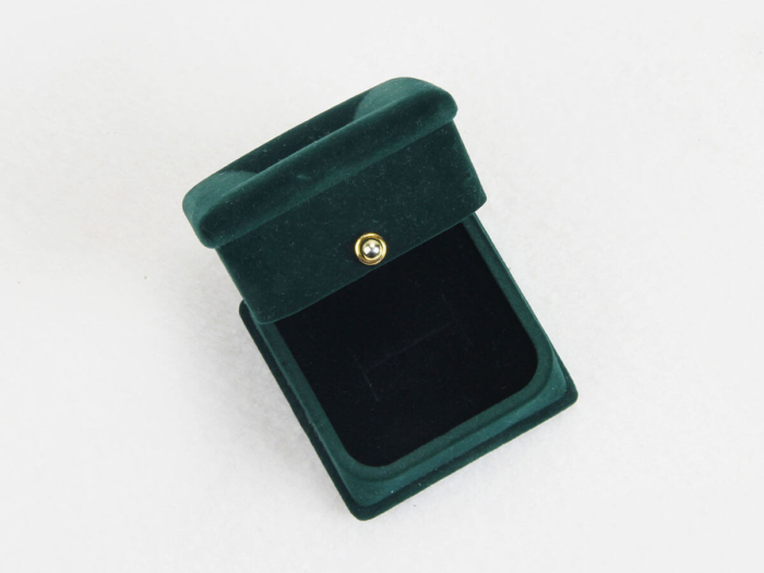 Verdant Velvet Jewelry Boxes Top Lid
