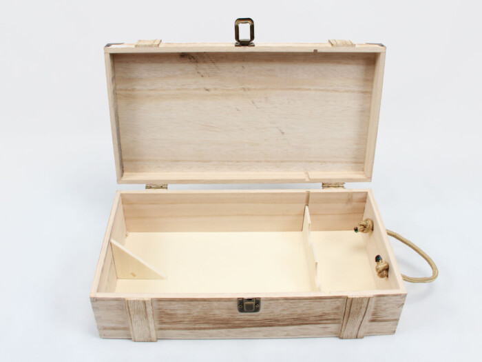 Vintage Style Wooden Wine Gift Boxes Open Way