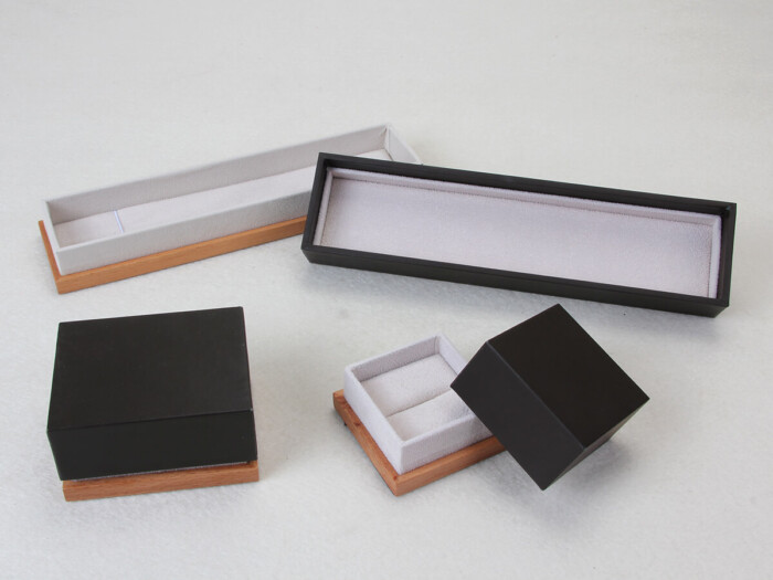 Wooden and Leather Paper Jewelry Packaging Boxes Open Way