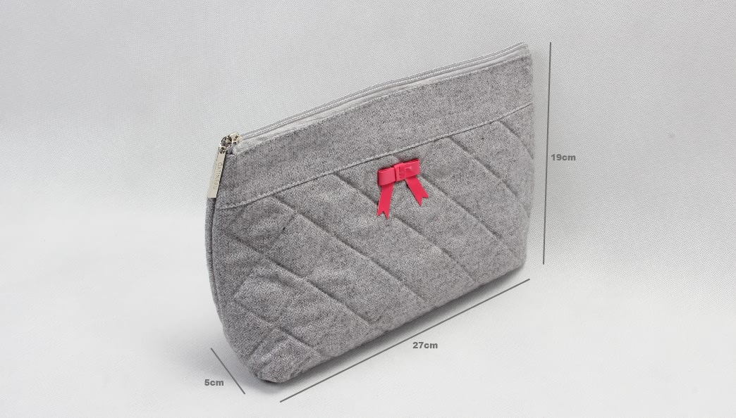 Elegant Dimand Pattern Felt Cosmetic Bags With Bowknot Size