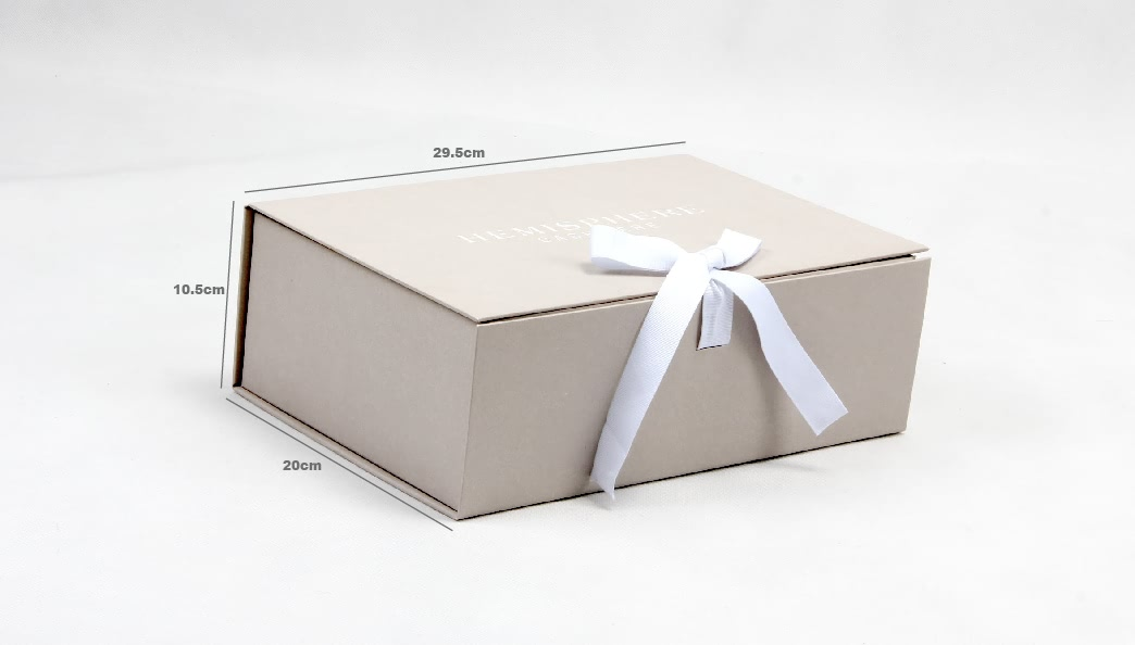 Upscale Garment Packaging Boxes With Ribbon Size