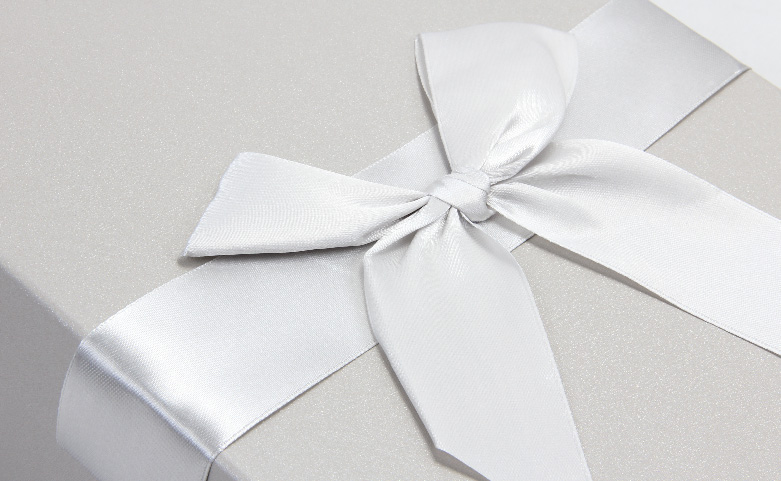White Day Flower Packaging Boxes Ribbons