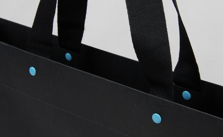 Classic Black Hot Stamped Garment Paper Bags handle