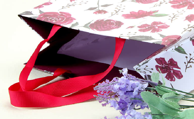 Large Purple Roses Gift Bags With Red Ribbons handle