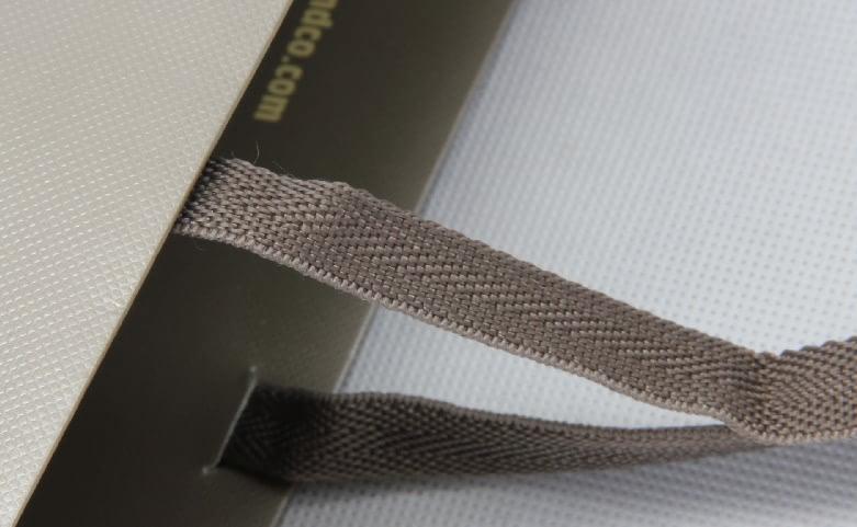 High End Fashion Garment Paper Bag handle
