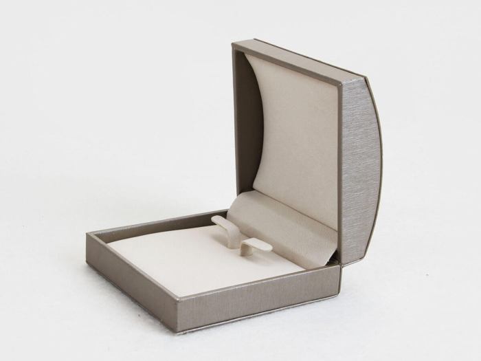 Arched Bracelet Packaging Boxes Open Way