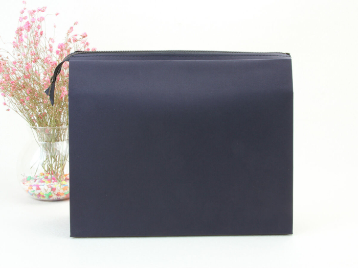 Colorful Eco-friendly Black Paper Handle Bag Display