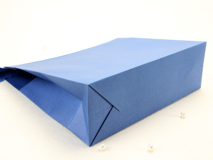 Colorful Eco-friendly Blue Paper Handle Bag Display