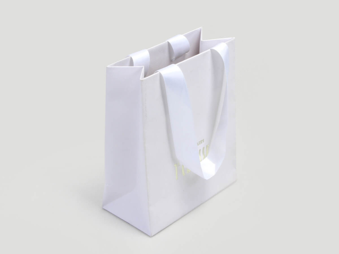 Cosmetic Make-up Shopping Paper Bags Side Display