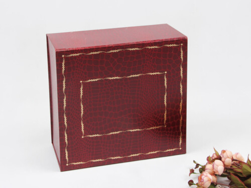 Crocodile Grain Leatherettre Paper Garment Packaging Boxes