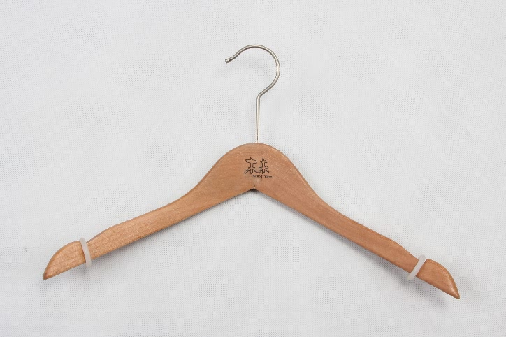Elegant Durable Wooden Clothes Hangers With Soft No-slip Ring