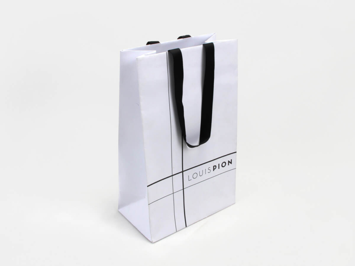Elegant Snow White Gift Paper Bags Corner Display
