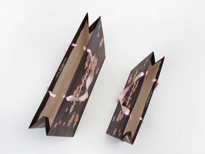 Flowers Women Garment Paper Bags Set Inside Detail