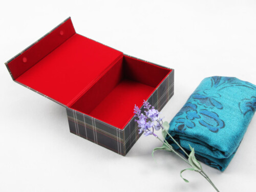 Grid World Scarf Packaging Boxes