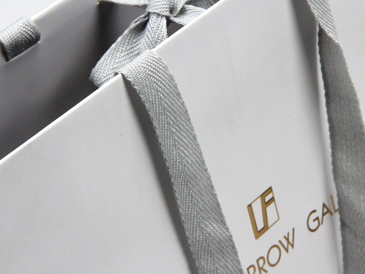 High-end Glasses Shopping Paper Bags LOGO Technique