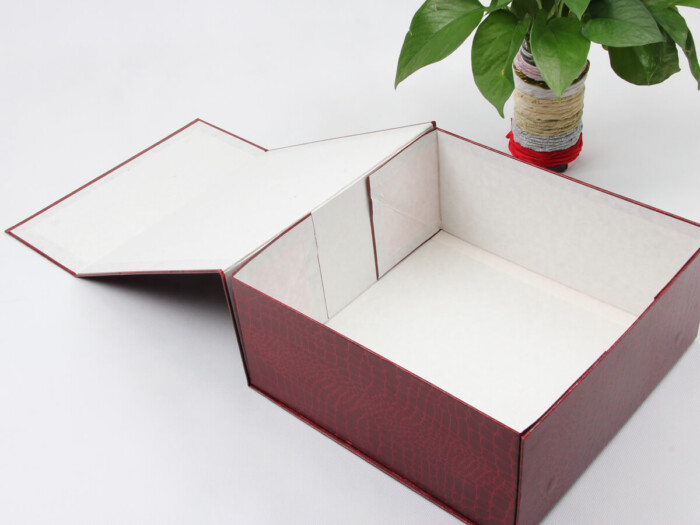 Leatherettre Paper Garment Packaging Boxes Clamshell Way