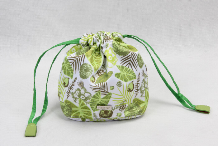 Natural Style Design Polyester Cosmetic Bags With Drawstring Closure style