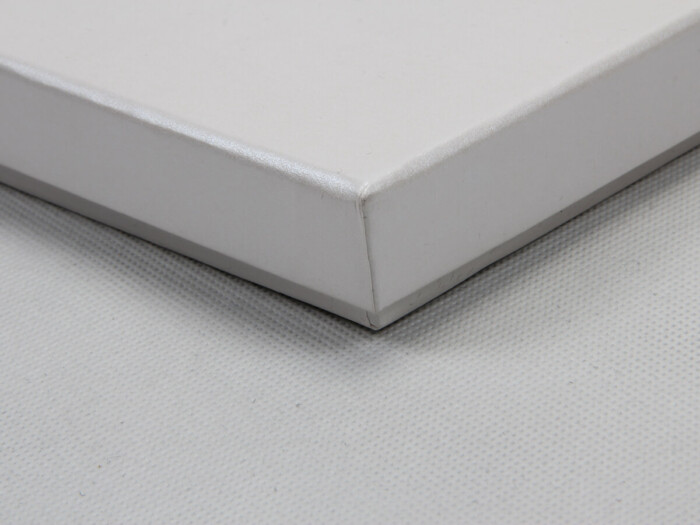 Pearl White Blindfold Packaging Boxes Corner Detail
