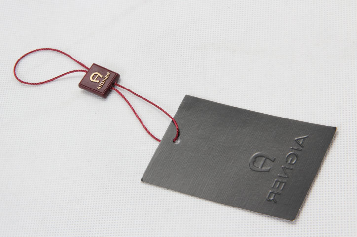 Personalized Clothing Hangtags With Hanging Tablets back