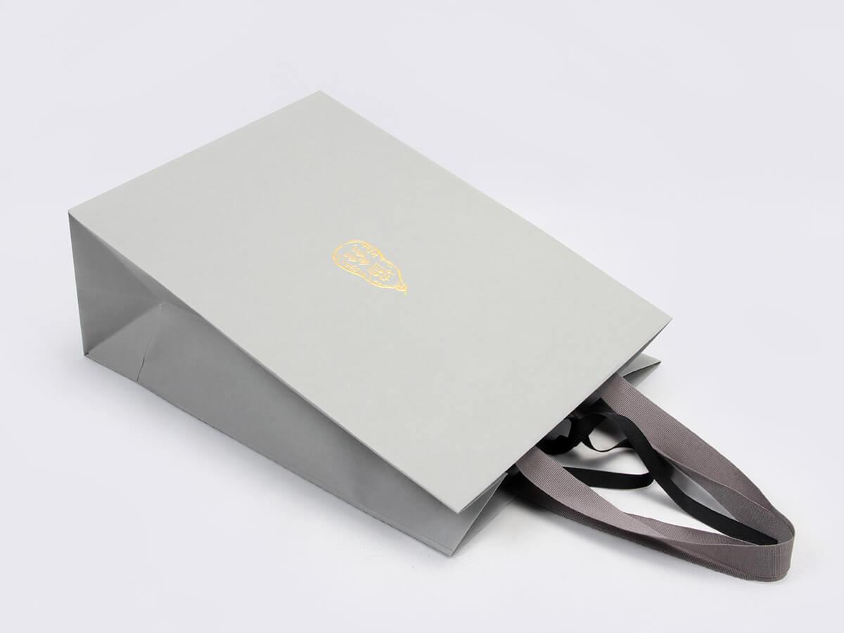 Premium Casual Garment Shopping Bags Ribbons