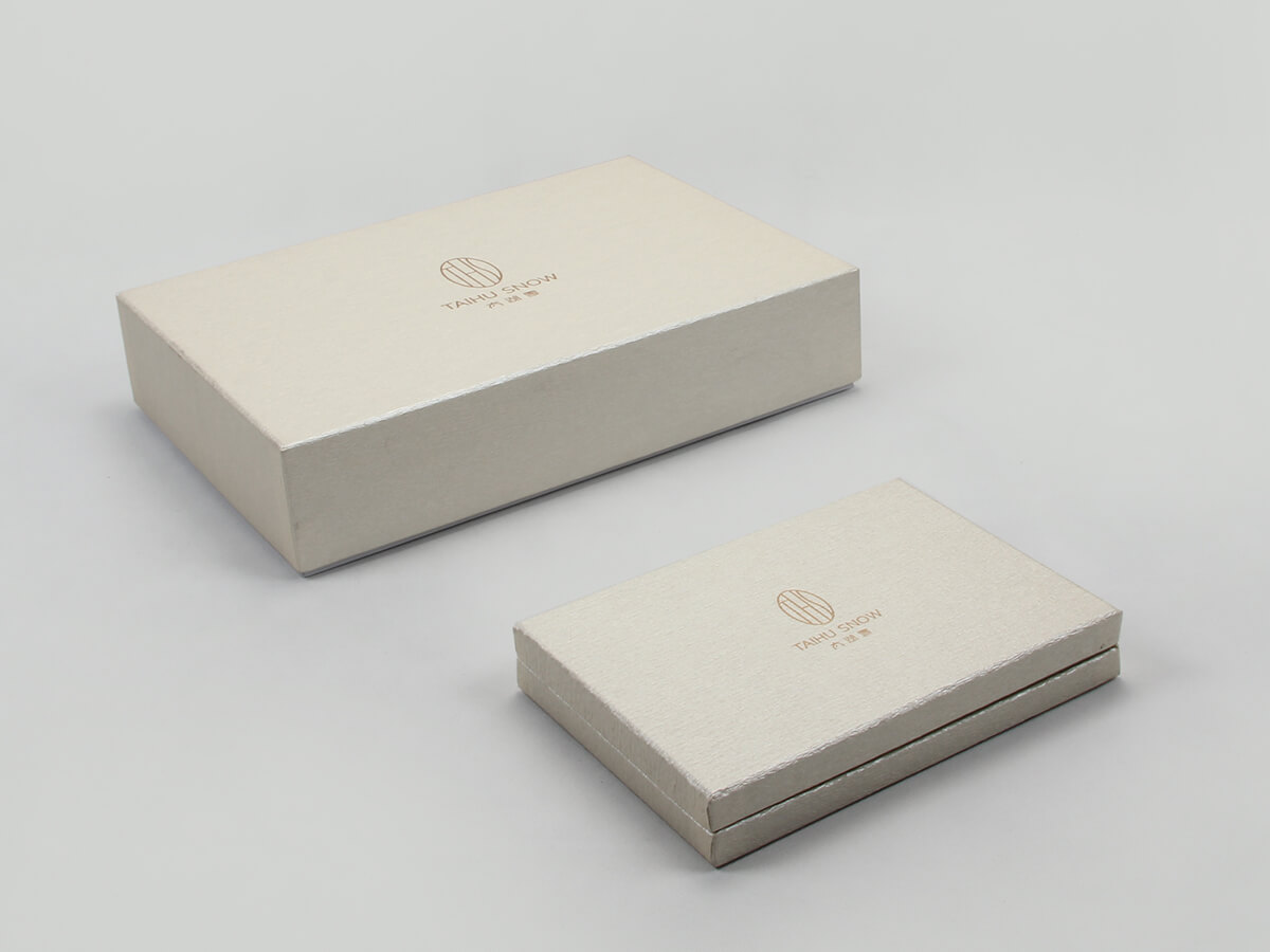 Premium Silk Home Textiles Packaging Boxes Set Display