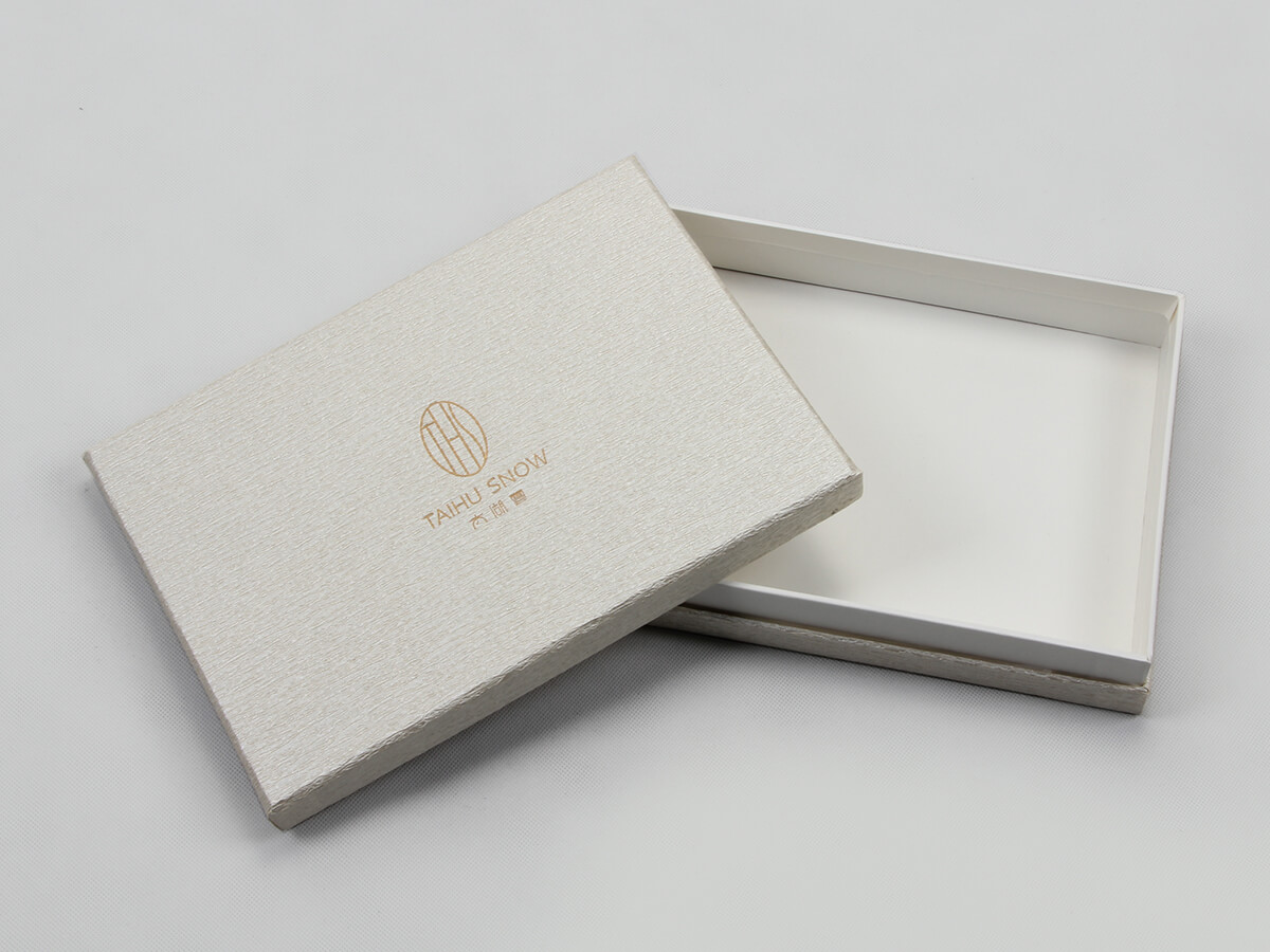 Premium Silk Home Textiles Packaging Boxes Set Open Way