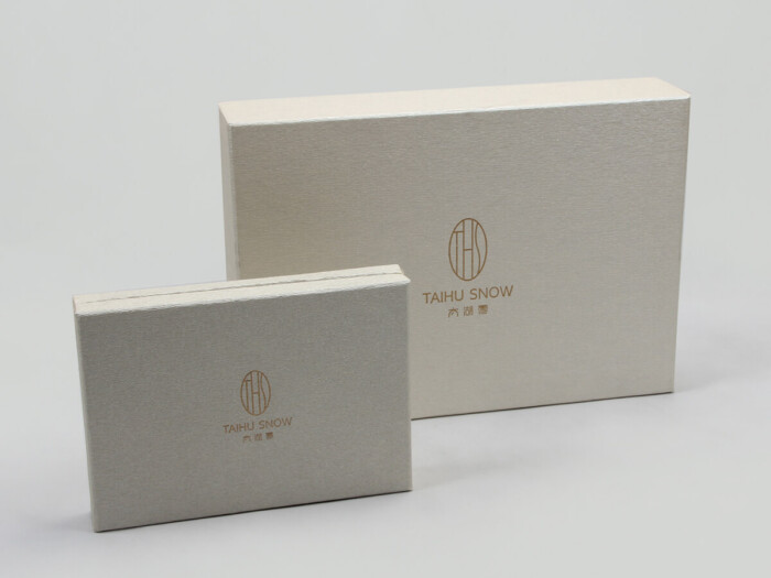 Premium Silk Home Textiles Packaging Boxes Set Stand Display