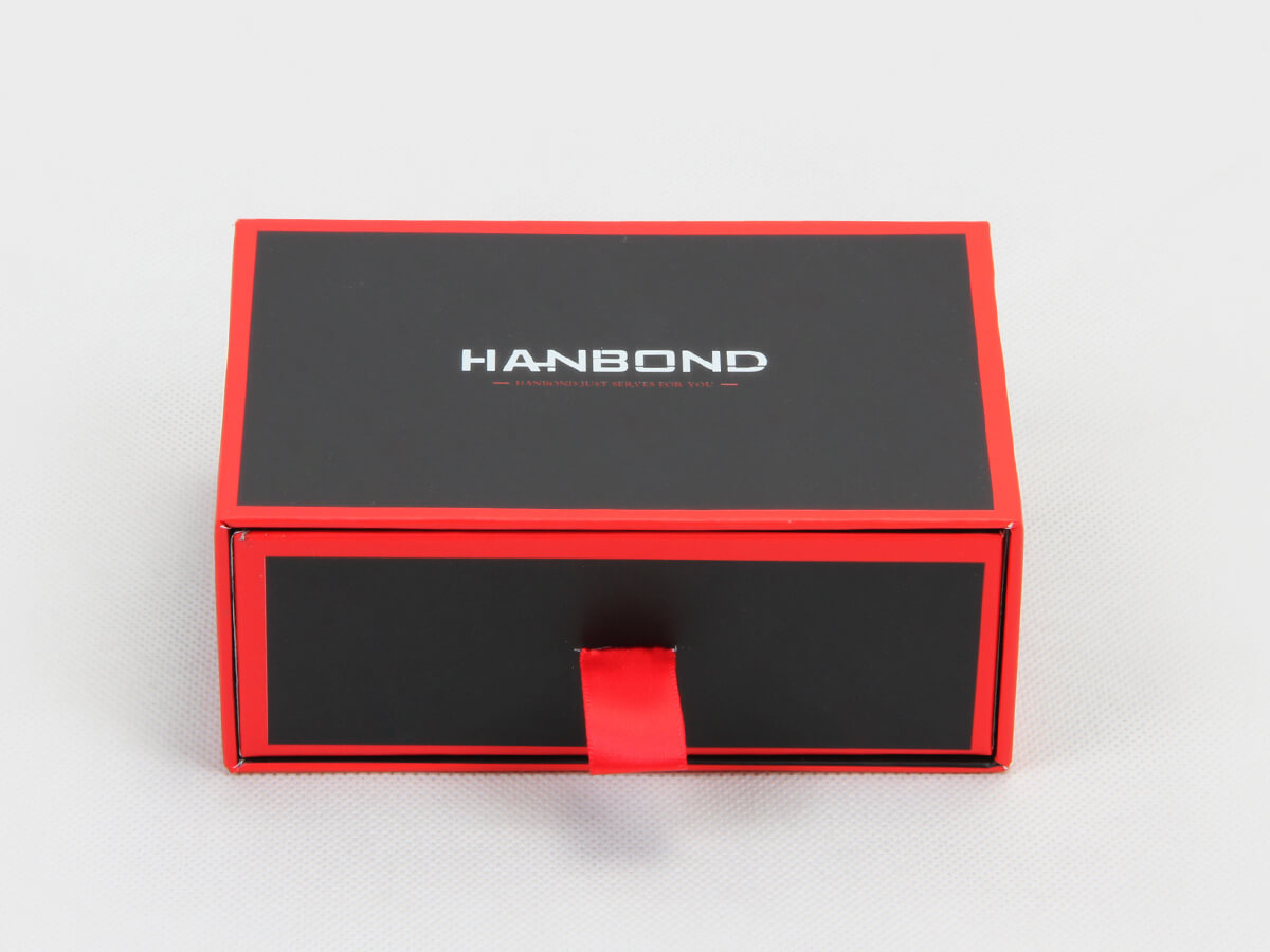 Red Inlaid Dark Cufflinks Packaging Boxes Close Display