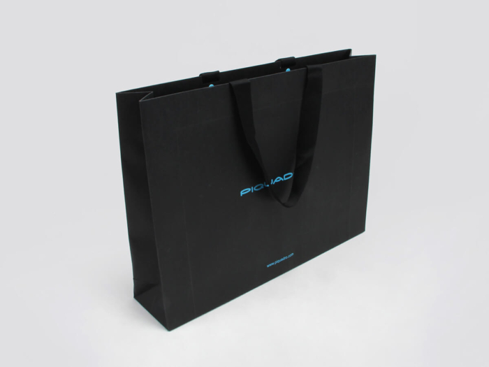 Rivet Fixing Leather Goods Shopping Bags Side Display