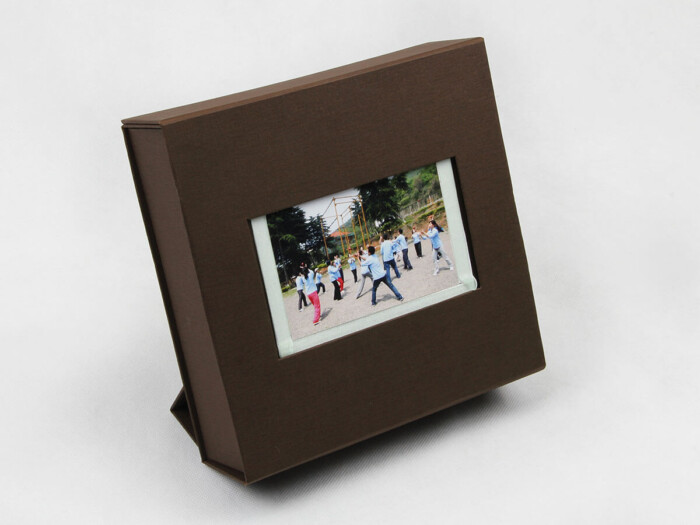 Stand Folding Garment Packaging Boxes With Gift Card or Photo