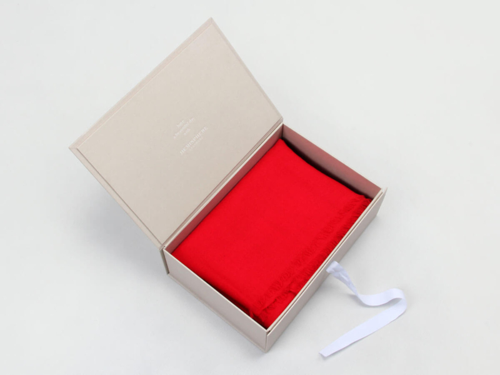 Upscale Garment Packaging Boxes Open Way
